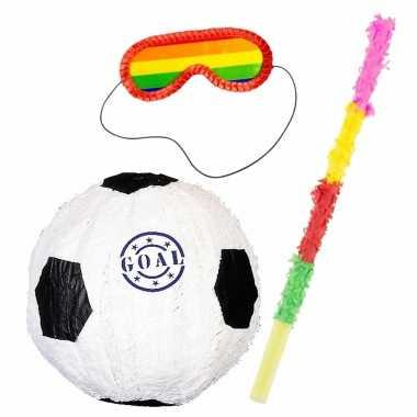 Pinata van een voetbal set met blinddoek en stok